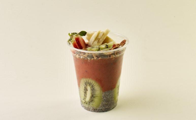 Goji- chia smoothie cup