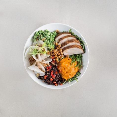 Csirkés buddha bowl