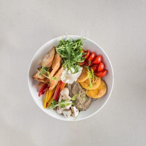 Polentás gombás buddha bowl