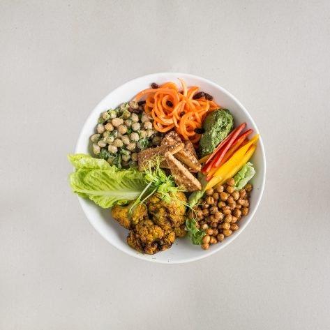Vegán tofu buddha bowl
